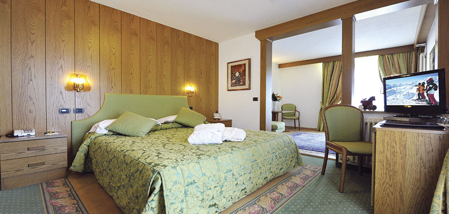 Italy_Cervinia_hotel_excelsoir_planet_bedroom.jpg